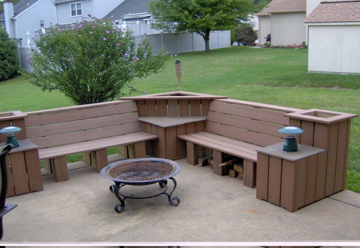 Decking ideas - Benches, Decks and DIY pergola, DIY garden furniture, DIY pallet furniture outdoor, Outdoor corner bench