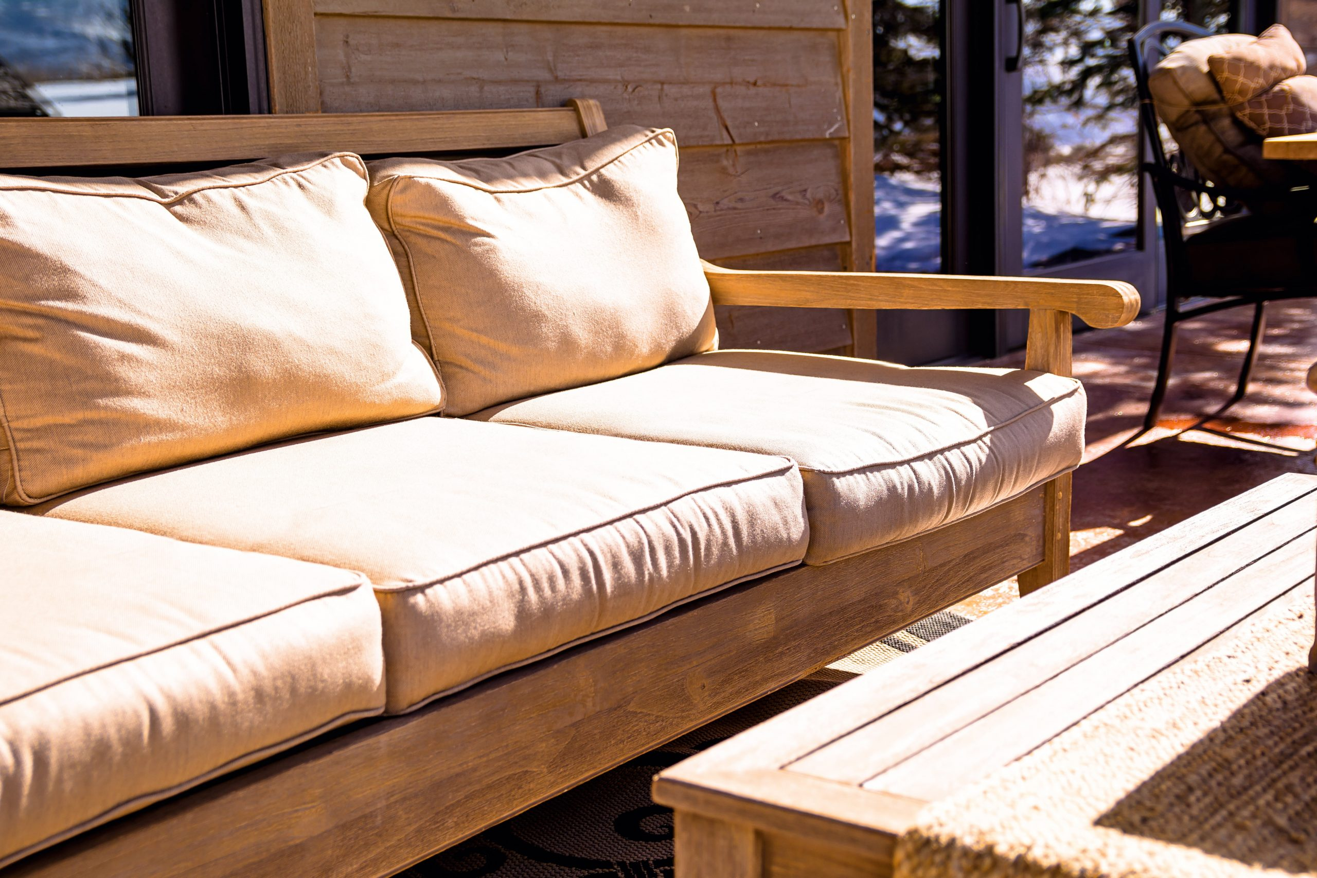 outdoor fabric on outdoor furniture