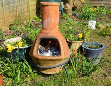 outdoor-winter-pot-fireplace